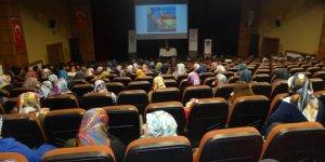 """Diyarbakır'da """"Aile İçi Sorunlar ve Çözüm Yolları"""" Konferansı"""