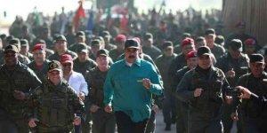 Venezüella'da Yuhlar, Ukrayna ve Suriye'de Alkışlar
