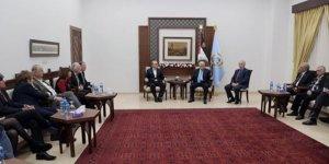 Zuhri: Abbas'ın Geleceğini İşgal Rejimine Bağladığı Görülüyor