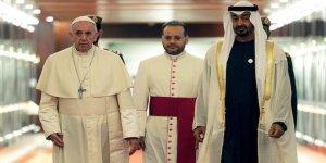 Papa'dan Körfez'e Ziyaret