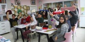 Engelli Öğrencilerden Suriyeli Çocuklara Yardım
