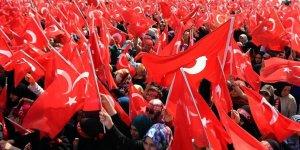 Bayrak Fetişizmi Neyi Örtüyor?