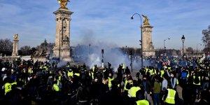 Fransa'da Sarı Yelekliler Gösterilerin 14'üncü Haftasında Sokaklarda