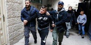 Kudüs'te Filistinli Aileyi Zorla Evinden Çıkardılar