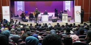 """Özgür-Der Diyarbakır Gençliği """"Şehitler Gecesi"""" Düzenledi"""