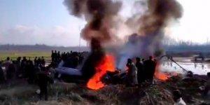 Keşmir'de Hindistan'a Ait Helikopter Düştü: 7 Ölü
