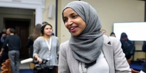 "West Virginia'da Cumhuriyetçilerden Ilhan Omar'a ""Terörist"" Benzetmesi"