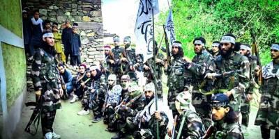 Taliban Afganistan'da Bir Günde İki İlçeyi Ele Geçirdi