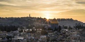 İsrail Filistinlileri Aksa'dan Zorla Uzaklaştırmaya Devam Ediyor