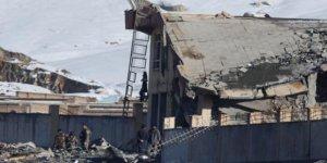 Afganistan'da Taliban 3 Karakolu Ele Geçirdi