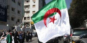 Buteflika Sonrası Cezayir'i Bekleyen Muhtemel Siyasi Durum