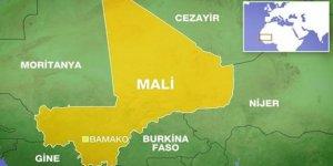 Mali'de Yolcu Otobüsü ve Sivil Kampa Saldırı: 7 Ölü