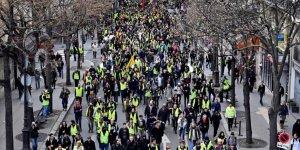 Fransa'da Polise Sarı Yeleklileri 'Vur' İzni!