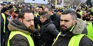 Sarı Yeleklilerin Liderine 'İzinsiz Gösteriden' Para Cezası