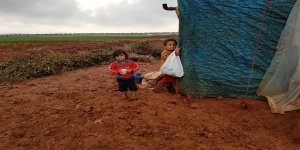 Suriye'de Çadır Kamplar Sular Altında!