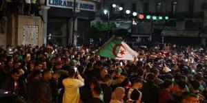 Cezayir Halkı Buteflika'nın Gitmesini Yeterli Görmüyor