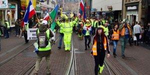 Hollanda'da Sarı Yelekliler 19'uncu Kez Hükümeti Protesto Etti