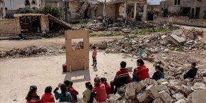 Suriyeli Çocuklar Kimyasal Silah Kurbanlarını Tiyatroyla Andı
