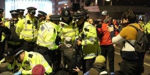 Londra'daki Çevreci Eyleminde 47 Gözaltı