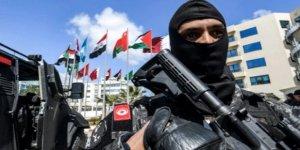 Libya'dan Tunus'a Girmeye Çalışan Silahlı 13 Fransız Yakalandı