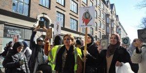 Danimarka'da Müslümanlar Kur'an'a ve Kutsal Kitaplara Saygı Yürüyüşü Yaptı