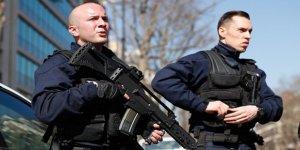 Fransa'da 22 Bin 308 Kişi İstihbarat Takibinde