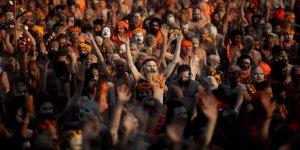 Hindistan'da Dünyanın En Kalabalık Dini Festivalinde Binlerce Kişi Kayboluyor!