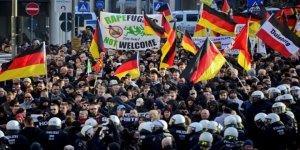 """""""Almanya'da Şiddete Meyilli 12 bin 700 Aşırı Sağcı Var"""""""