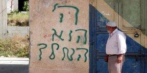 Yahudi İşgalciler Filistinlilerin Evlerine Irkçı Sloganlar Yazdı