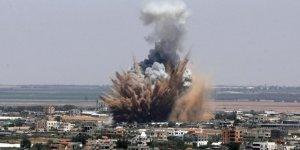 İsrail Gazze'de 320 Noktayı Vurdu