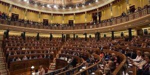 Tutuklu Katalanların Milletvekilliği Askıya Alındı