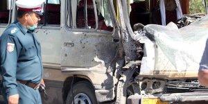 Afganistan'da Bakanlık Personelini Taşıyan Araca Bombalı Saldırı
