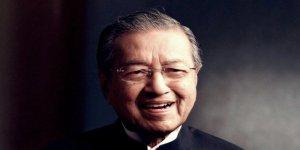 Malezya'nın 93 Yaşındaki Başbakanı 20 Yıl Sonra Bir kez Daha IMF'ye Direniyor