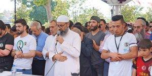 Şehit Abdulbasit Sarut İçin Fatih'te Gıyabi Cenaze Namazı Kılındı