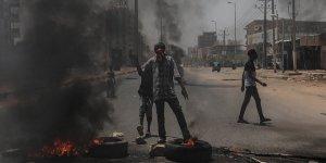 'Göstericilere Saldıranların Arasında Nizami Birliklerden Askerler Vardı'