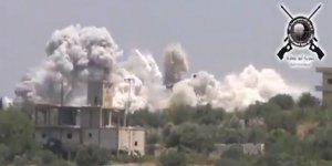 Muhalifler Esed Rejimine Ait Merkezi Havaya Uçurdu