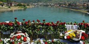 27 Yıl Önce Visegrad'da Diri Diri Yakılan Boşnaklar Anıldı