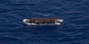 İtalya Hükümeti'nden Vicdansızlık Örneği! Göçmenleri Ada Açıklarında Bekletiyor