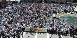 Diyarbakır'dan Sisi'ye Lanet, Şehit Mursi'ye Selam
