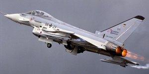Almanya'da 2 Savaş Uçağı Çarpıştı