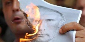 Gürcü Göstericiler Rus İşgaline Karşı Ayaklandı
