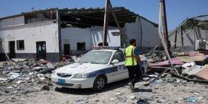 BM: Libya'da Vurulan Göçmen Merkezinin Koordinatları Verilmişti