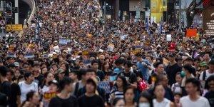 Hong Kong'da Göstericiler İade Yasasının İptali İçin Toplandı