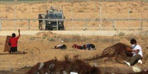 İsrail Askerleri Gazze Sınırında 24 Filistinliyi Yaraladı