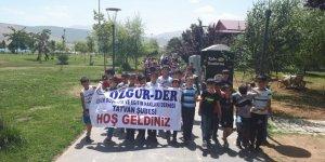 Tatvan Özgür-Der Kuran Kursu Öğrencileri ''Van Gölü Kirlenmesin Mavi Kalsın'' Eylemine Destek Verdi