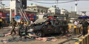 Pakistan'da Canlı Bomba Saldırısı: 9 Ölü