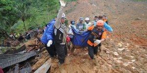 Çin'deki Heyelanda Ölü Sayısı 36'ya Yükseldi