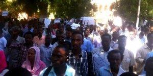 Sudan'da Eğitime Süresiz Ara Verildi