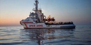 İtalya Mültecileri Kurtarma Gemisine El Koyabilir