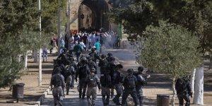 Fanatik Yahudiler Mescid-i Aksa Baskınlarını Sürdürüyor